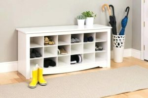3 HAVE A STORAGE FOR WET SHOES, UMBRELLA AND CLOTHES (2)